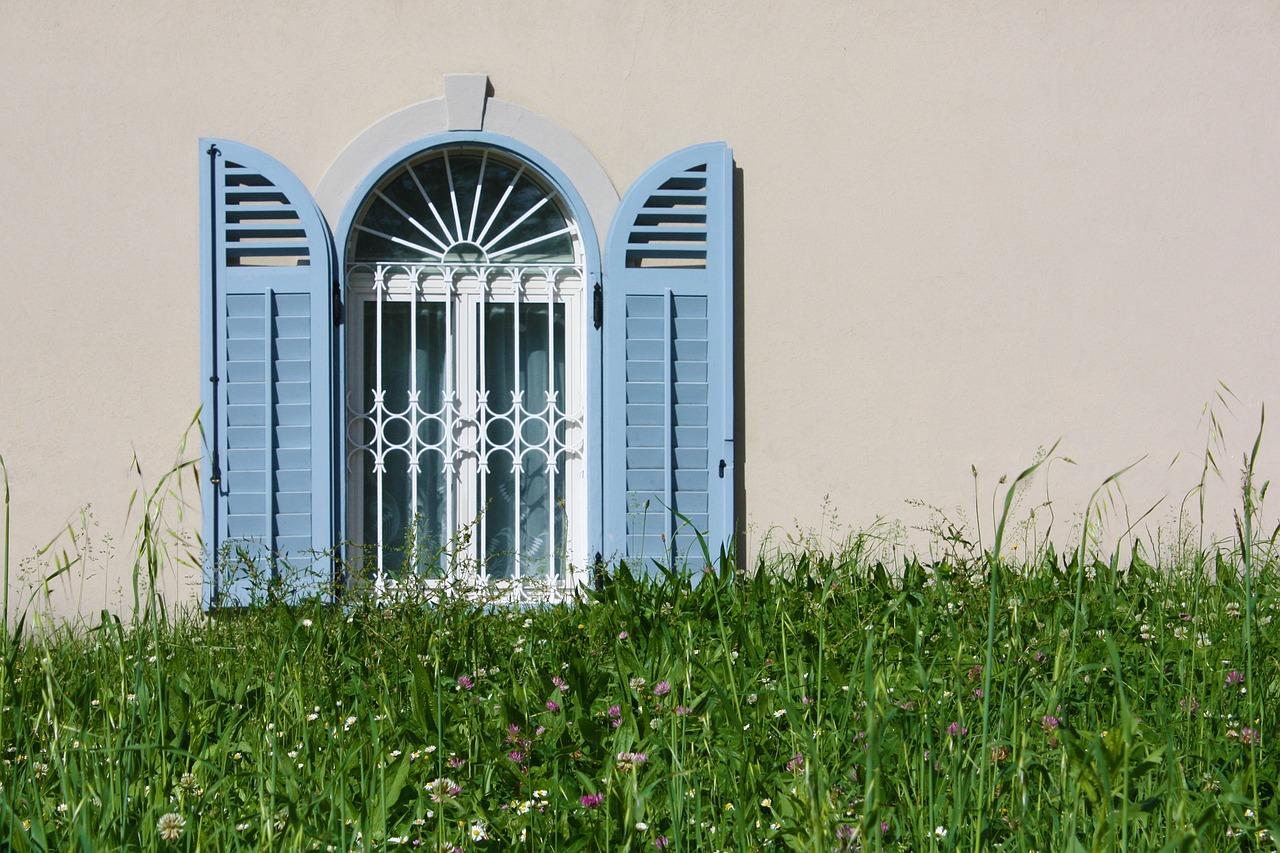 Quand faut-il songer à rénover ses fenêtres et volets ?